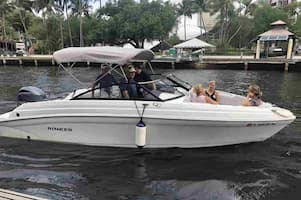 Speedboat in Fort Lauderdale for Independence Day
