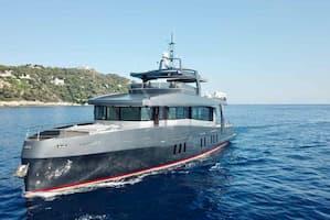 Mega Yacht Nice