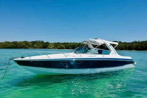 Motorboat for Parties in Florida