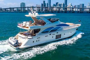 party yachting Miami Beach