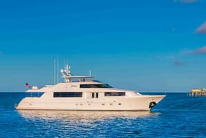 Motor Yacht for couples Florida