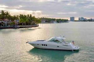 romantic boat hire Hallandale Beach