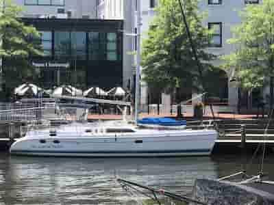 Sailing Boat Jupiter