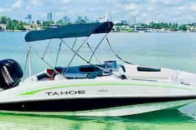 Speedboat in Miami for Independence Day