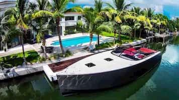 Yacht for Romance Miami Beach