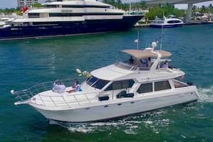Yacht in West Palm Beach for July 4th