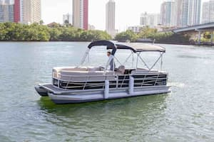 Pontoon with grill Fort Lauderdale