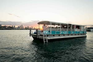 pontoon for parties in Miami