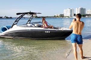 Speedboat Miami
